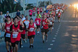 Gần 1 tỷ đồng ủng hộ từ thiện qua giải Marathon quốc tế TP.HCM 2018