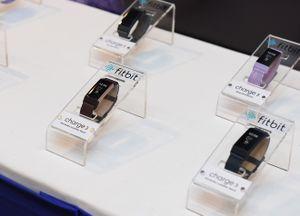 Fitbit Charge 3 giá thấp nhất gần 3,8 triệu đồng