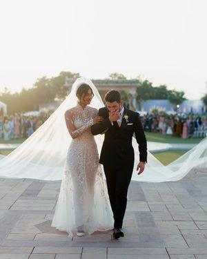 Tà váy cưới khổng lồ trong 'đám cưới thế kỷ' của Hoa hậu thế giới Priyanka