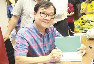 Văn học Việt: Giành lại vị thế ở sân nhà
