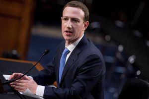 Mark Zuckerberg mất tới 15 tỷ USD trong năm bê bối của Facebook