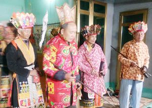 Người lưu giữ di sản văn hóa dân tộc Dao Thanh Phán