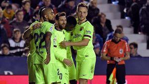 Messi lập hat-trick, Barca thắng 'bàn tay nhỏ'