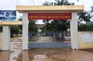 Nam sinh lớp 11 đánh thầy giáo nhập viện ra trình diện sau 2 ngày bỏ trốn