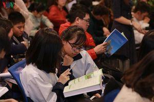 Chuyên gia ngôn ngữ mách sinh viên mẹo học tiếng Anh dễ nhớ