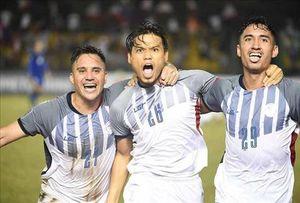 Cựu tuyển thủ Philippines: 'Chúng tôi ăn mì gói để đá bóng'