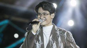 Hàng nghìn khán giả đội mưa, chịu rét xem show Hà Anh Tuấn ở Đà Lạt