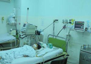 Vụ lật tàu du lịch ở Nha Trang, 2 người chết: Bé 4 tuổi vẫn hôn mê