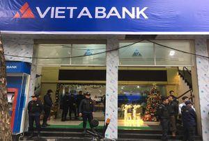 Chiếm đoạt trăm tỷ trong sổ tiết kiệm: Khởi tố nhân viên Việt Á