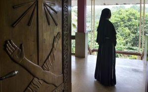 Nữ tu Ấn Độ bị linh mục xâm hại - vết nhơ bị che đậy nhiều thập niên