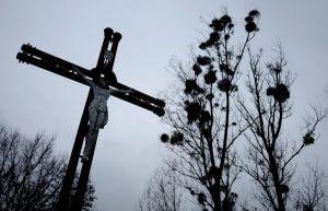 'Chúng tôi là phù thủy' - bê bối giáo sĩ xâm hại trẻ em gái ở Ba Lan
