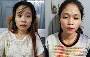 Hai cô gái ở Sài Gòn tham gia móc trộm iPhone của người đi đường