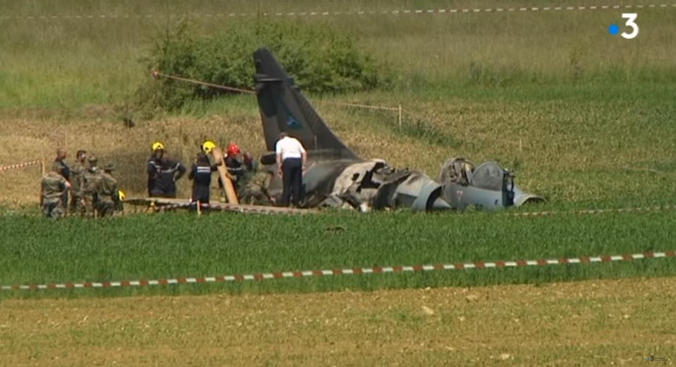 Tìm thấy các mảnh vỡ của máy bay Pháp rơi gần biên giới Thụy Sĩ
