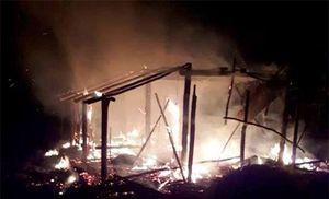 Tivi phát nổ gây cháy rụi nhà, vợ chồng nghèo trắng tay qua một đêm