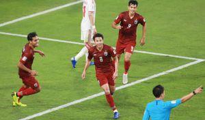 Thái Lan đập tan thất vọng, đoạt vé vòng 1/8 Asian Cup