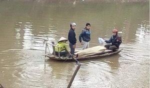Hà Nội: Phát hiện thi thể nam sinh lớp 12 trên sông Bùi