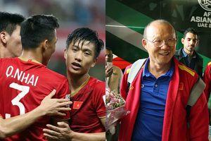Thầy trò HLV Park Hang-seo ăn đồ Hàn, xem 2 trận bóng cạnh tranh vé đi tiếp vòng 1/8