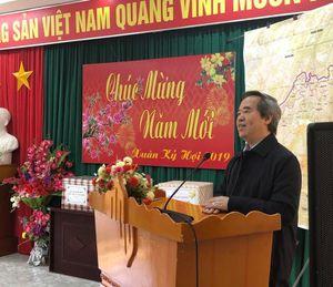 Trưởng Ban Kinh tế Trung ương thăm và tặng quà tại Hà Giang