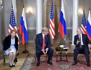 Phiên dịch viên giữa tâm bão Trump-Putin họp kín là ai?