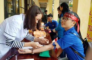 Chủ nhật Đỏ tại Quảng Nam: Đội mưa lạnh đi hiến máu cứu người