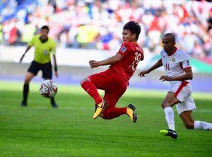 Nguyễn Quang Hải giành danh hiệu Cầu thủ xuất sắc nhất vòng bảng Asian Cup 2019