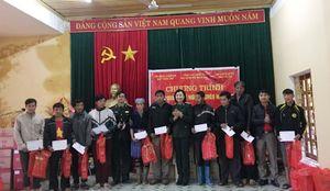 Chung tay hỗ trợ đồng bào nghèo đón Tết