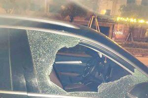 Xe Audi bị đập vỡ cửa, chủ xe mất trộm 35 triệu đồng
