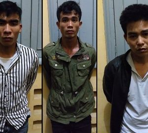 Bắt tại trận băng nhóm đột nhập nhà trọ để trộm xe ở TP.HCM
