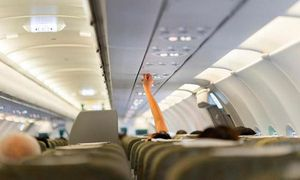 Bất ngờ với những nơi bẩn nhất trên máy bay