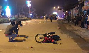 Xe ben tông xe máy, hai con tử vong, cha bị thương