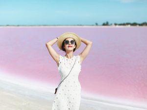 Lạc lối giữa khung cảnh kỳ ảo khó tin của hồ nước hồng ở Mexico