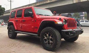 Soi SUV 'hàng độc' Jeep Wrangler giá 4,1 tỷ ở Hà Nội