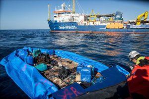 Hà Lan từ chối tiếp nhận người di cư trên tàu cứu hộ