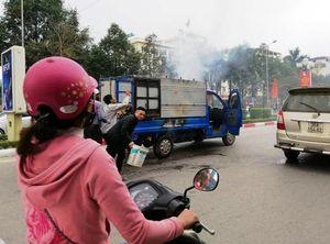 Cận ngày Tết xe tải chở nồi bánh chưng bốc cháy trên phố