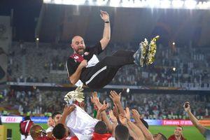 Qatar gây sốc, tính chuyện sa thải HLV Felix Sanchez vì Arsene Wenger