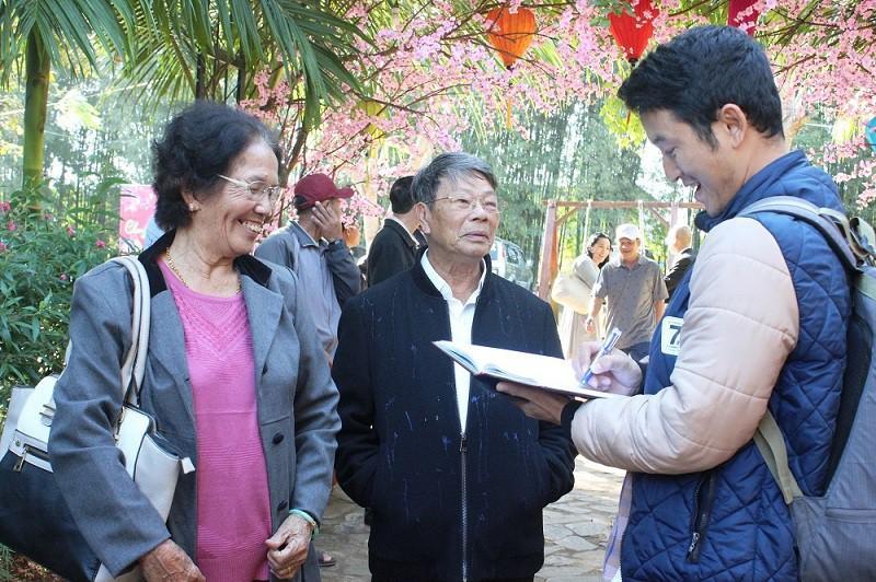 Tết Việt đầm ấm của cụ ông hơn 30 năm ở nước ngoài