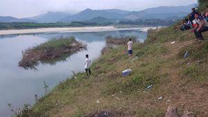 Thi thể cô gái tâm thần bị thả xuống sông trôi xa hàng chục cây số