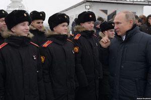Tổng thống Nga Putin bất ngờ 'trảm' 9 tướng lĩnh
