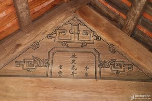 Đền thờ Quận Công Từ lưu giữ các kiện gỗ nguyên vẹn từ thế kỷ 19