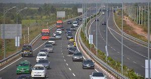 Chủ 2 ô tô bị từ chối phục vụ vĩnh viễn trên đường cao tốc là ai?