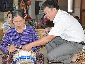 Cải thiện thu nhập từ nghề đan giỏ lục bình