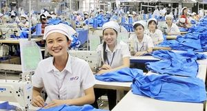 Người lao động phấn khởi trở lại công việc sau Tết