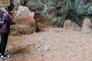Ngày về xúc động 'cô học sinh' duy nhất sống sót ở hang Ngườm Hẩu 1979