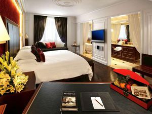 Bên trong phòng tổng thống ở Metropole có giá 4.500 USD/đêm