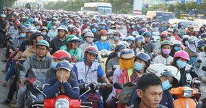 Cấm xe máy vào nội đô TP.HCM: Đề xuất 36 giải pháp 'kéo - đẩy'