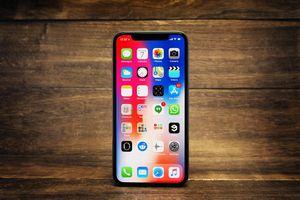 iPhone đang bị dọa bức tử ngay tại quê nhà