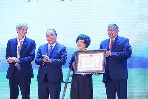 Thủ tướng trao Huân chương Lao động hạng Nhì cho Công ty cổ phần thực phẩm sữa TH