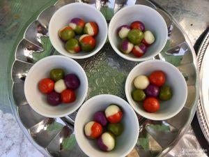 Độc đáo những món bánh ngũ sắc ở hội đền Quả Sơn