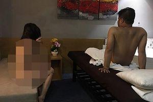 Phát hiện cơ sở massage cho nữ tiếp viên khỏa thân phục vụ khách