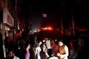 Hỏa hoạn nghiêm trọng, hơn 80 người tử vong